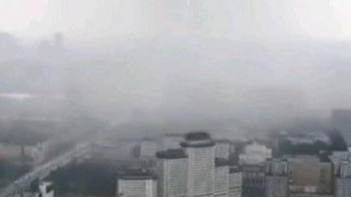 北京巨型雨幕突如其来