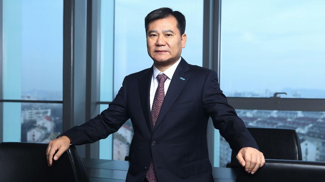 张近东辞任苏宁易购董事长